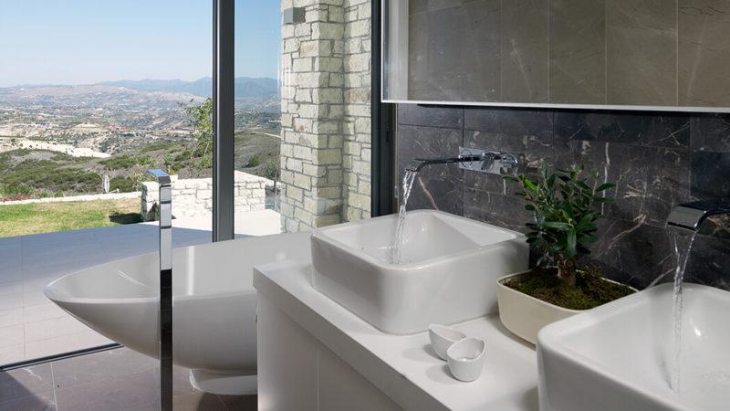 浴室: VICTORIA + ALBERT,NAPOLI独立浴缸
