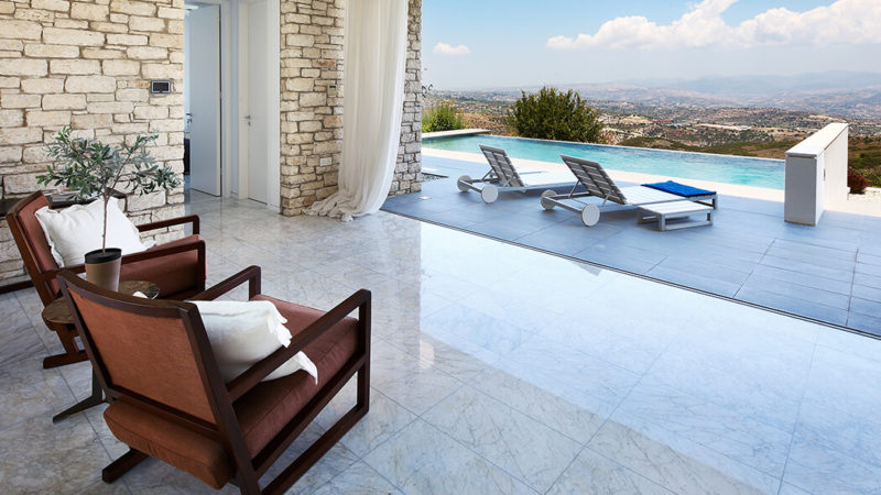 Living, floors and walls in Bianco Gioa Marble